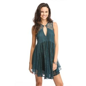 ✨Free People✨mini teal lace dress -XS
